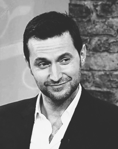 Nothing kills a work ethic watching Richard Armitage interviews. He's like Kryptonite...gorgeous, gorgeous Kryptonite.